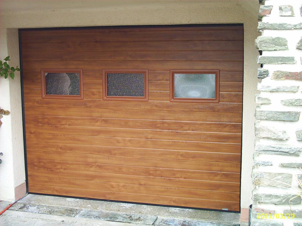 Porte de garage sectionnelle chene doré