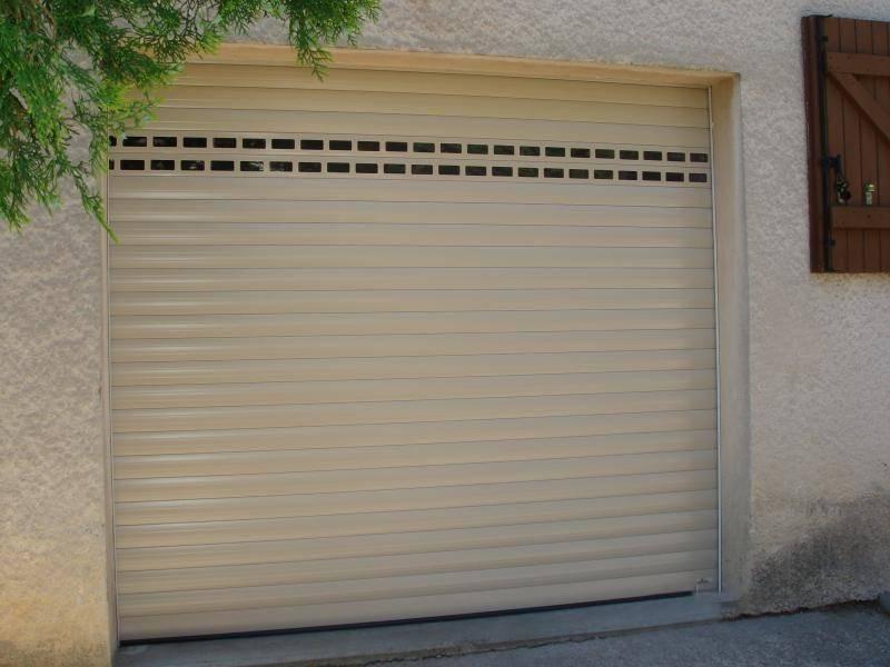 Porte de garage enroulable montage