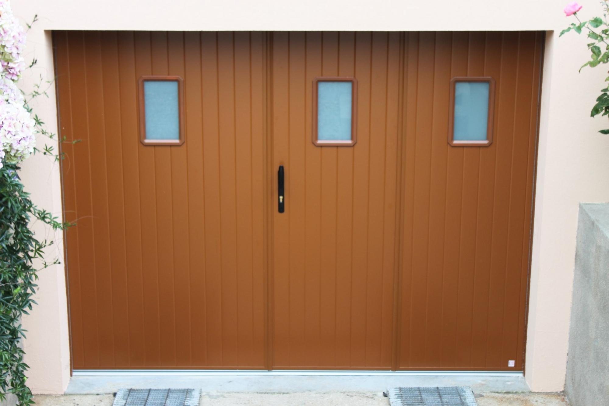 Installer une porte de garage a la francaise