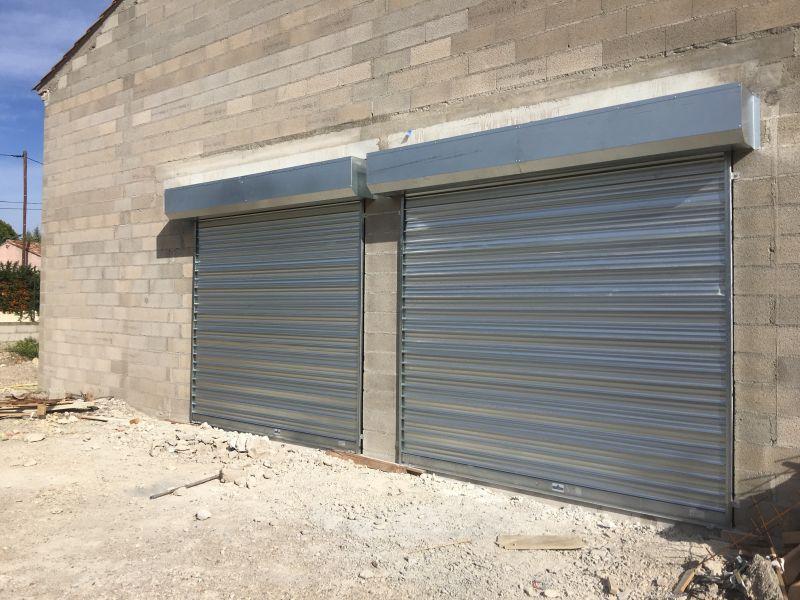Porte de garage enroulable pose en applique