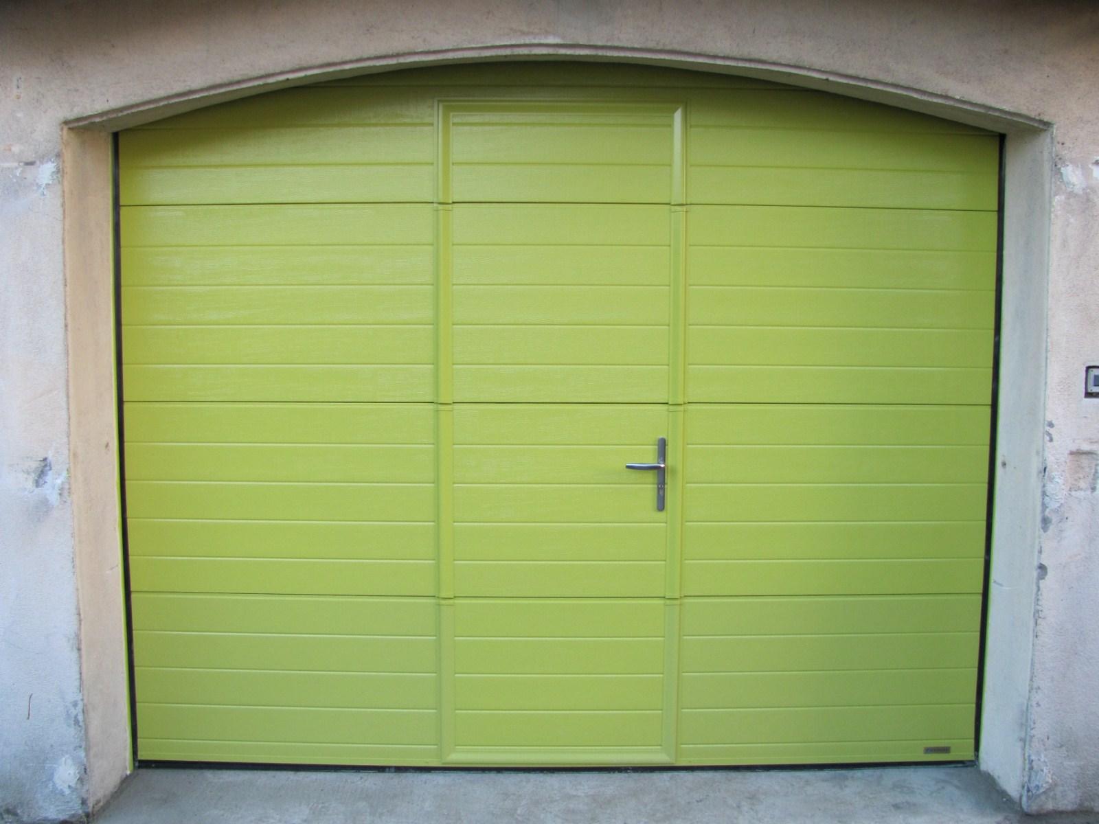 Porte de garage de couleur