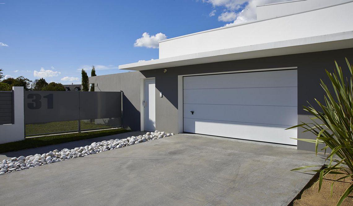 Porte de garage sectionnelle specialiste