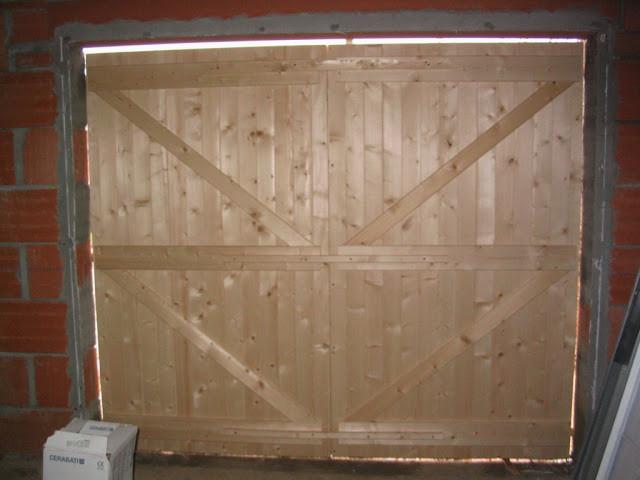 Fabriquer sa porte de garage en bois