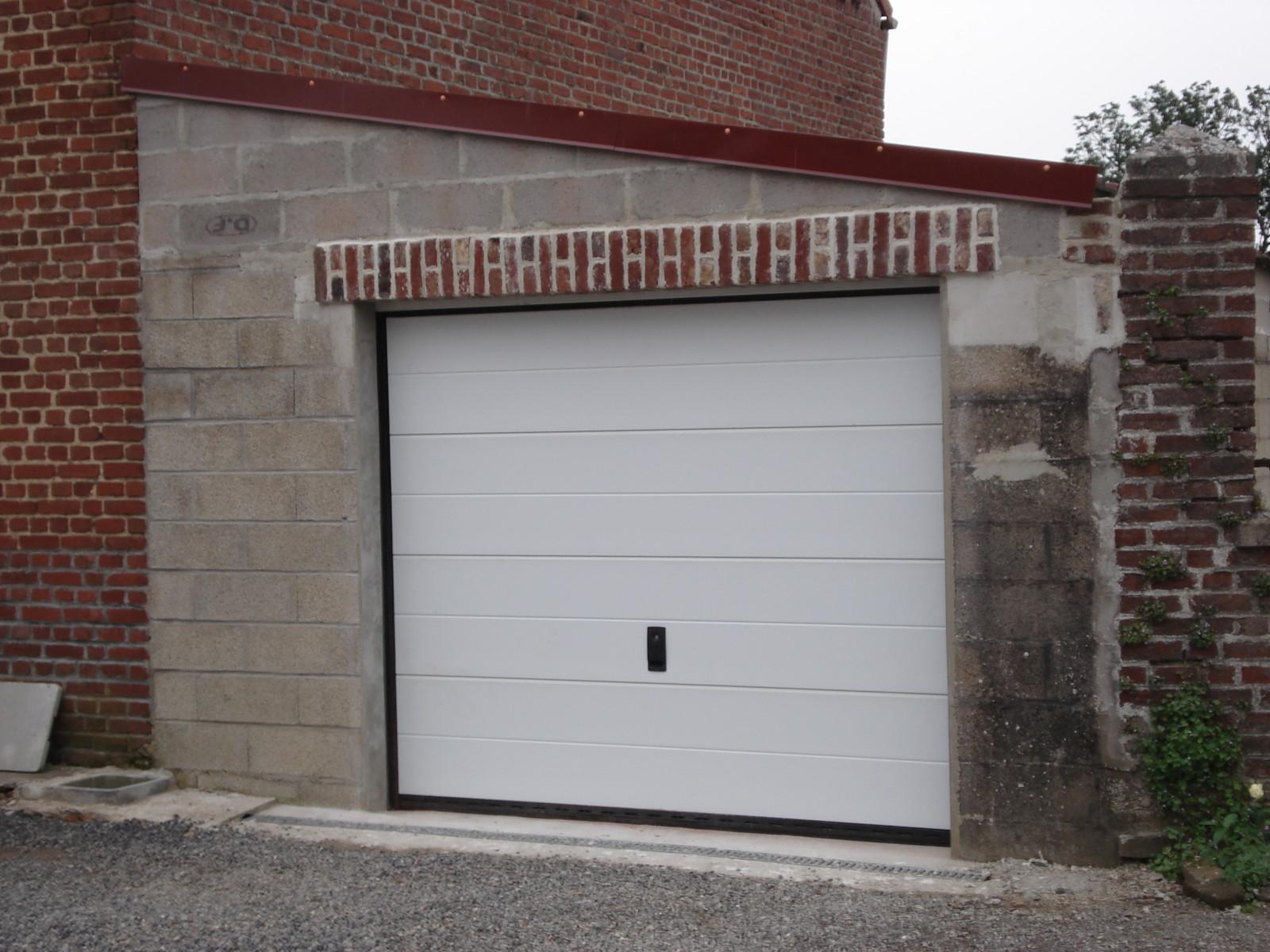 porte de garage sectionnelle chez brico depot  boiseco