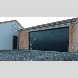 Prix d'une porte de garage sectionnelle sur mesure
