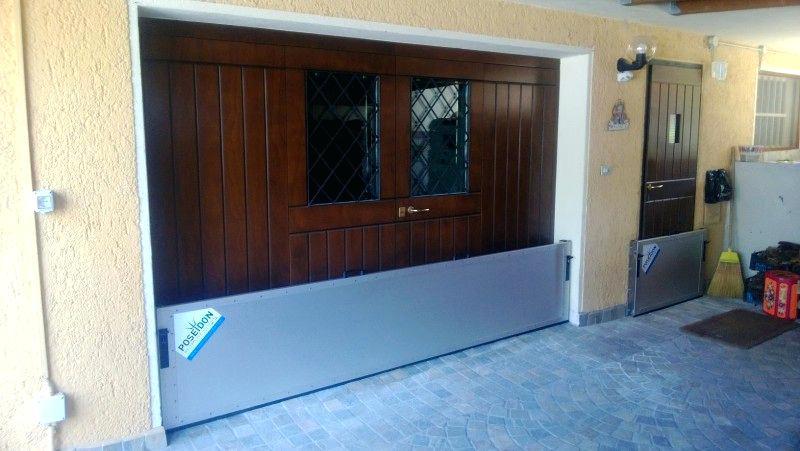 Porte de garage anti inondation