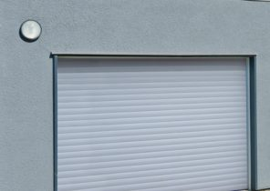 Poign es de porte de garage basculante bois eco - Montage porte de garage enroulable ...
