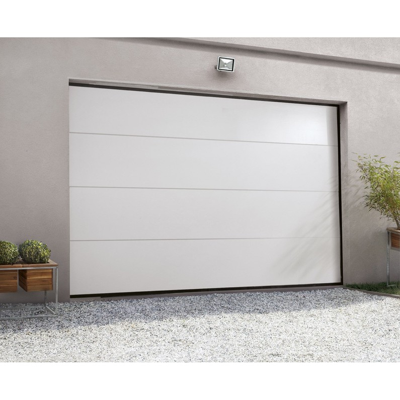 Pose porte de garage sectionnelle prémontée motorisée