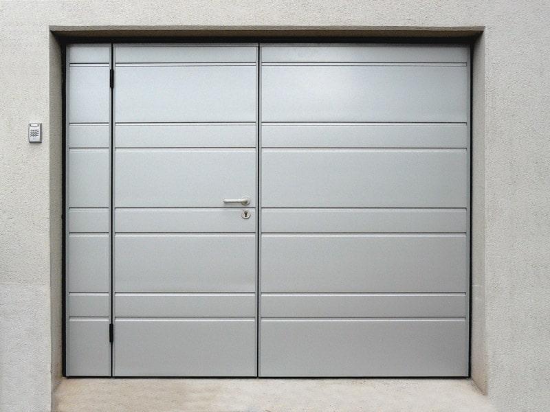 Porte de garage basculante avec porte d'entrée