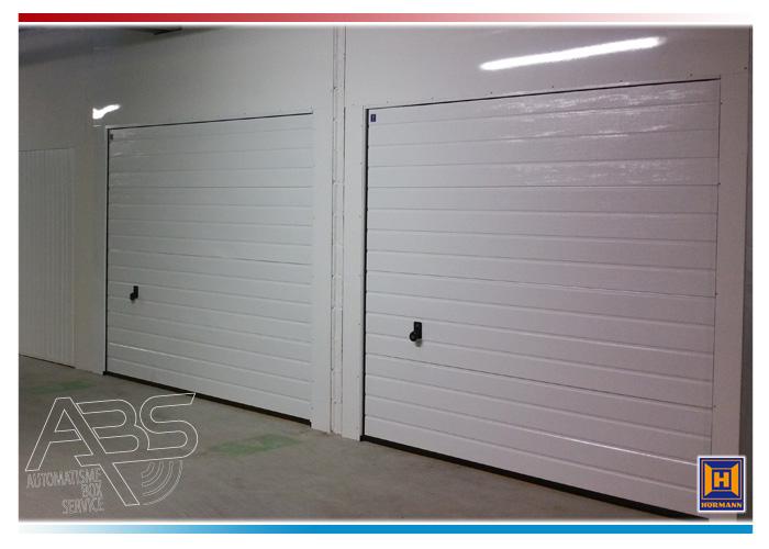 Porte de garage sectionnelle rainures verticales