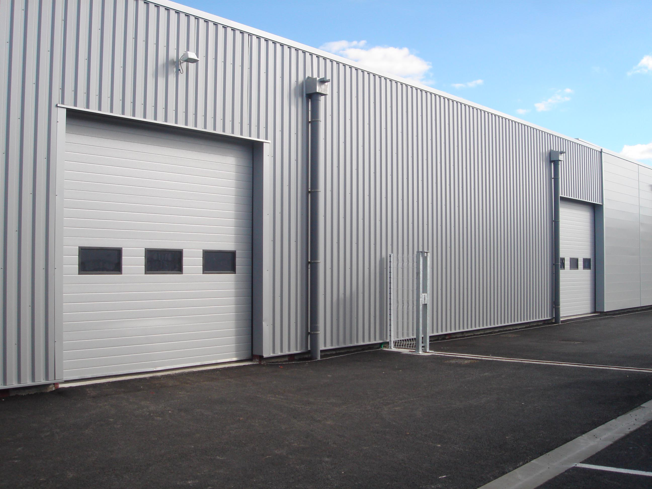 Porte de garage grand format