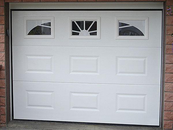 Porte de garage sectionnelle motorisée a cassette