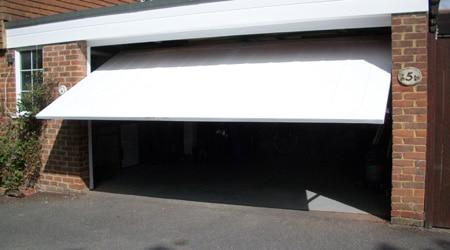 Devis pose porte de garage basculante