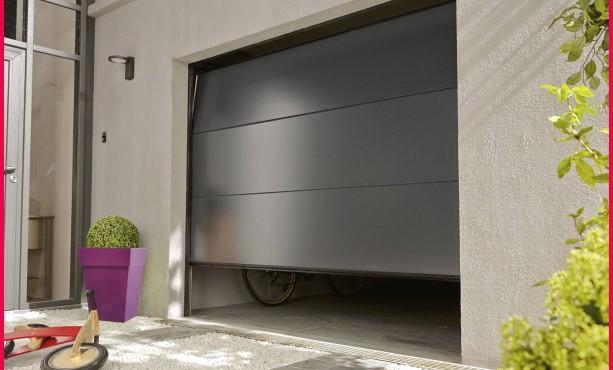 Porte de garage sectionnelle motorisée ags