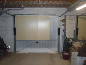 isoler sa porte de garage sectionnelle bois eco. Black Bedroom Furniture Sets. Home Design Ideas